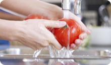 HP_WashingTomatos