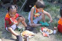 FOF_boy & girl eating lunch_lr (1)